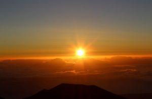 太陽、朝日、ご来光、日光、日差し、まぶしい、朝、