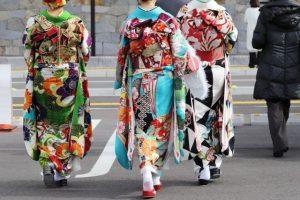 振袖、着物、きもの、女性、歩く