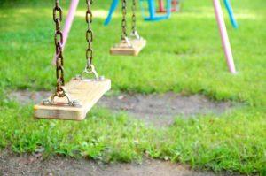 ブランコ、公園、遊具