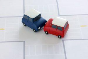交通事故、車、自動車、ケガ、怪我、衝突、運転