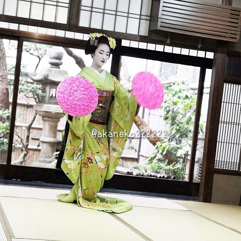 舞妓さんの踊り「花笠」