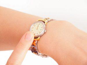 腕時計、アラーム、腕、手