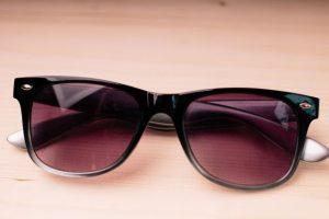 サングラス、メガネ、視覚過敏、眼鏡、めがね
