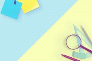 定規、文房具、虫眼鏡、メモ帳、ペン、付箋