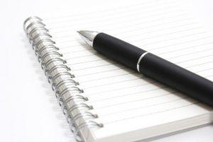 メモを取る、紙とペン