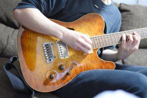 ギター、バンド、楽器