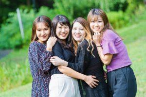 女子会、女性、女子の集まり、集団、女同士、女友達